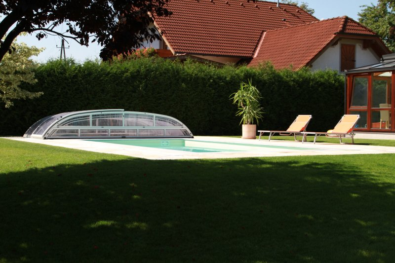 Pool mit eckeinstieg for Pool folienverlegung